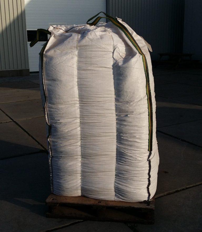 Big bag bruine houtpellets afhalen
